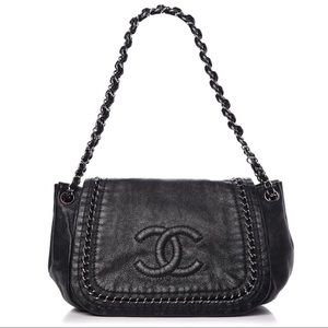 {CHANEL} Luxe Linge Flap Bag